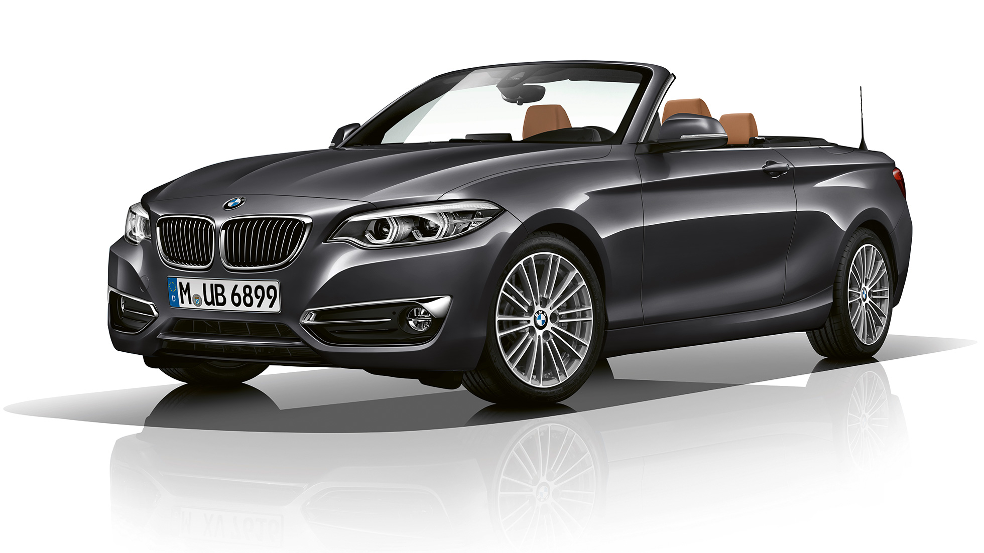 BMW 2-serie Cabriolet, Model Luxury Line, set forfra let drejet