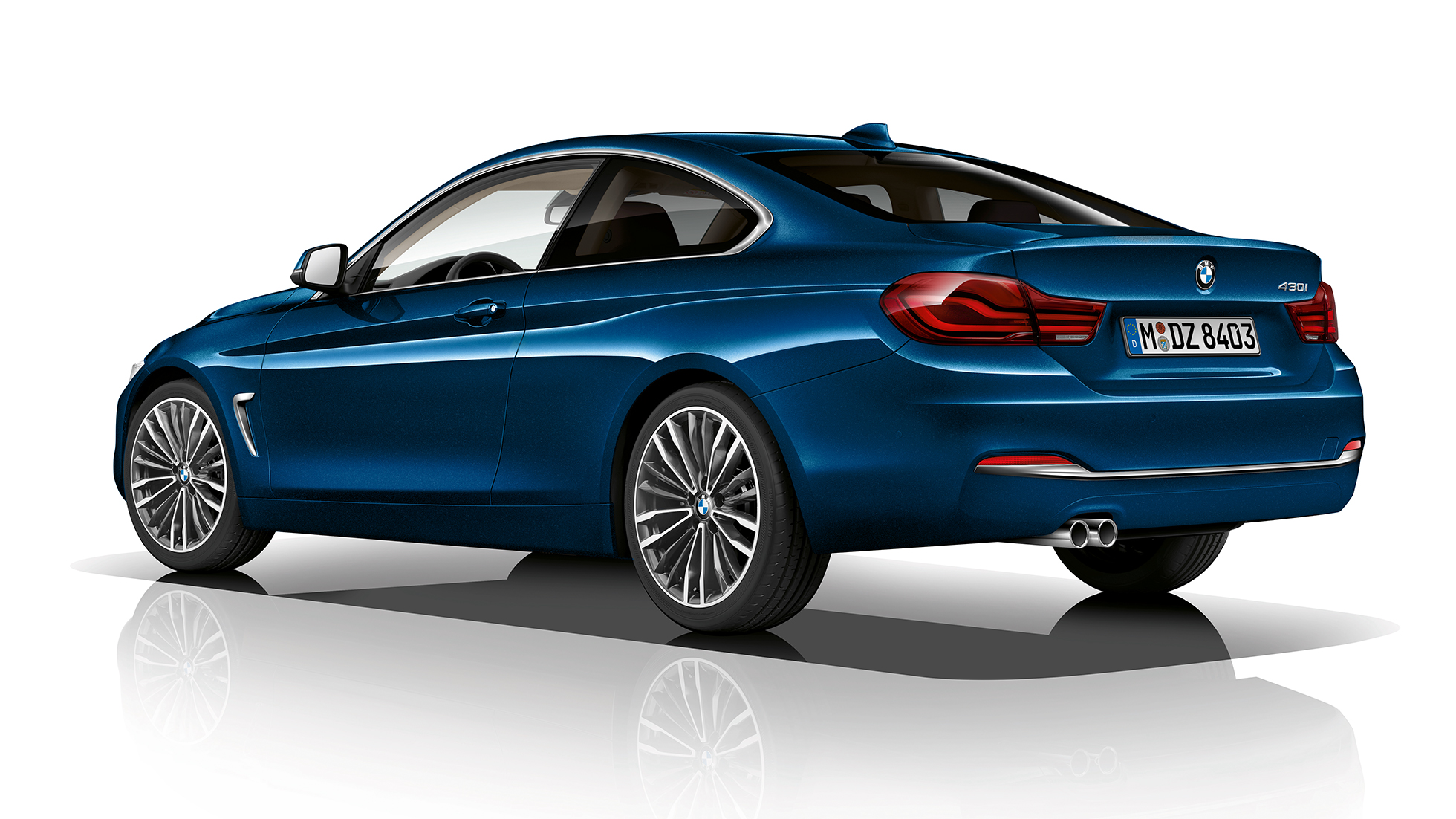 BMW 4-serie Coupé, Model Luxury Line, trekvartbillede bagfra