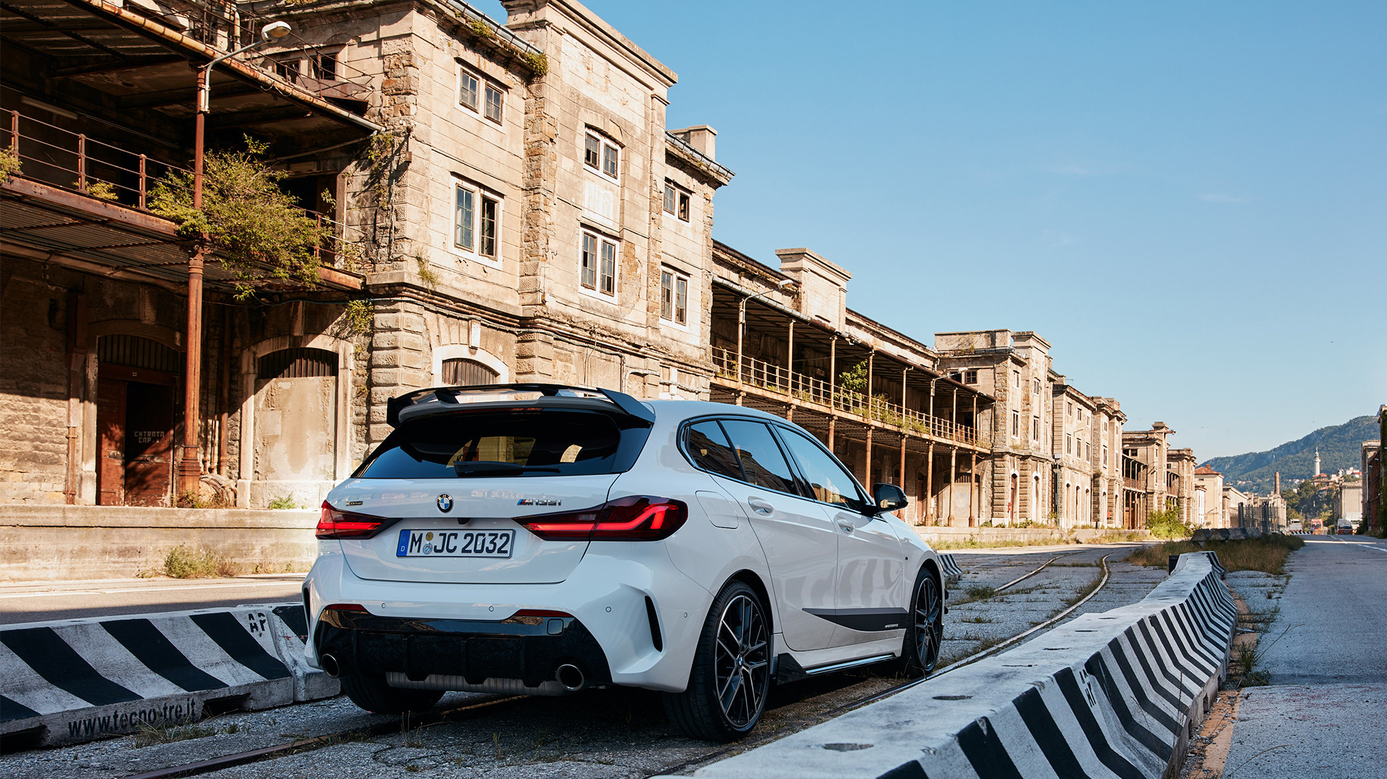 BMW 1-serie BMW M135i xDrive BMW M Performance Design 01